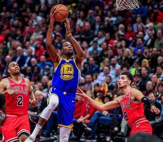 124-149. Thompson logra récord en la NBA con 14 triples y ganan los Warriors