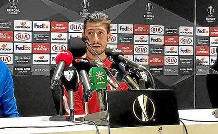 Escudero, en la rueda de prensa en Turquía.
