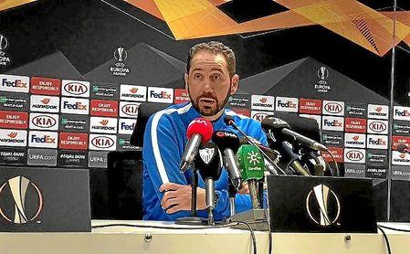 Machín, durante la rueda de prensa en Turquía.