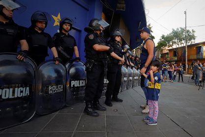 Hinchas de Boca protestan en Bombonera por venta de boletos para la Libertadores