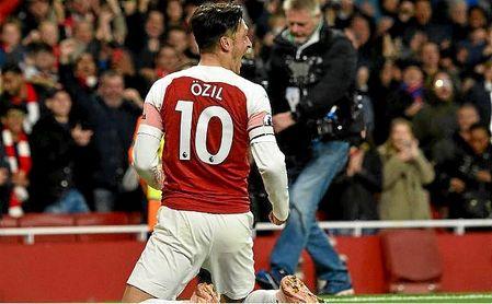 """Özil: """"No escucho lo que otra gente diga de mí"""""""