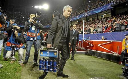 Mourinho, entrenador del Manchester United.
