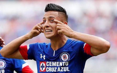 Roberto Alvarado probó con Manchester City por el ´pacto de caballeros´.