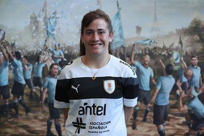 """Capitana de Uruguay afirma que el objetivo en el Mundial sub´17 de fútbol es """"marcar la historia"""""""