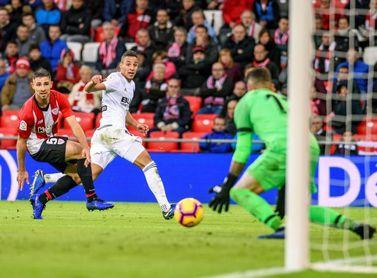 El Athletic vuelve al trabajo sin los internacional y con Yeray aparte