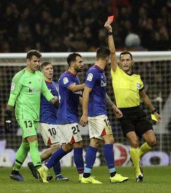 Yuri sancionado con tres partidos, dos por la roja y uno por acumulación