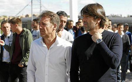 Belenguer (derecha) en una reunión de entrenadores en Las Rozas.