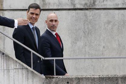 """El presidente de la Federación agradece a Pedro Sánchez el """"paso dado"""" por la candidatura"""