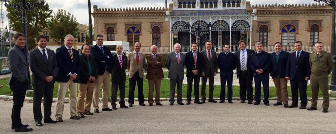 Los clubes sevillanos se reúnen con el alcalde Juan Espadas