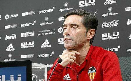 Marcelino cree que el Valencia se juega este sábado más que el Sevilla.