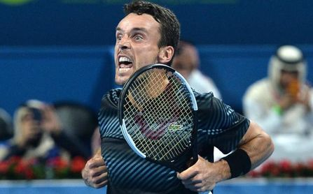 Bautista tumba a Djokovic para alcanzar la final