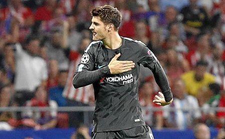 Morata celebra un tanto con el Chelsea ante el Atlético.