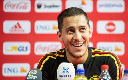 """Hazard: """"He sido un afortunado de jugar junto a Fábregas"""""""