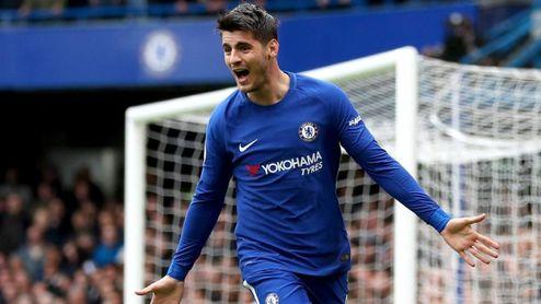 Morata celebra un gol con la elástica del Chelsea.