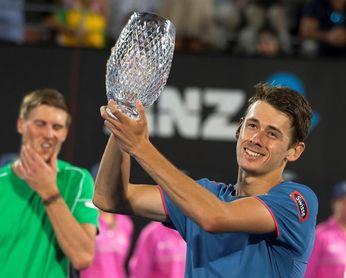De Miñaur consigue su primer título ATP tras vencer a Seppi en la final