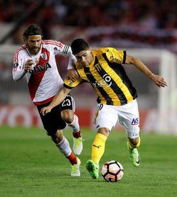 El paraguayo Robert Rojas completa el control médico para fichar por River Plate