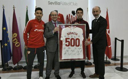 El Sevilla reconoce a Susaeta por sus 500 partidos