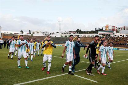 Argentina se estrena en el Sudamericano ante un Paraguay ya castigado