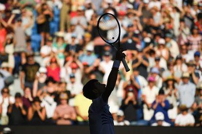 Djokovic cede un set y Zverev se pone las pilas para estar en octavos