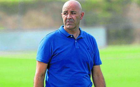 El Sevilla destituye a Paco Peña como entrenador del Sevilla C.