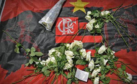 Minuto de silencio en el Sánchez-Pizjuán por la tragedia del Flamengo