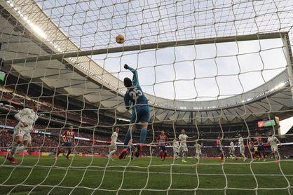"""Courtois prevé un """"partido muy abierto"""" frente a un Ajax con """"mucho talento"""""""