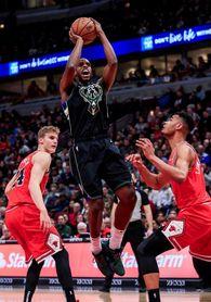 106-117. Middleton y Brogdon lideran triunfo de los Bucks que juegan sin Giannis ante los Bulls