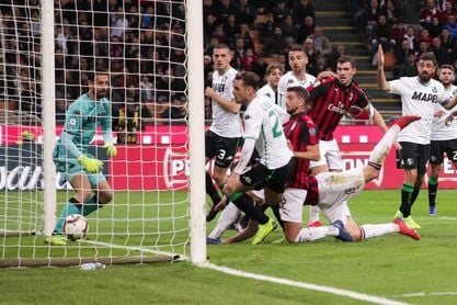 El Milan No Falla Ante El Sassuolo Y Arrebata Al Inter La