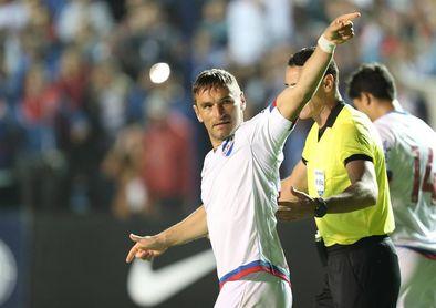 Nacional debutó con el pie en derecho ante Zamora