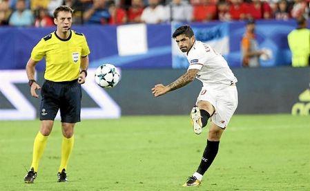 Aleksei Kulbakov, en el partido entre el Maribor y el Sevilla FC.