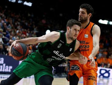 93-80. Vives despierta al Valencia y un superlativo Thomas barre al Joventut
