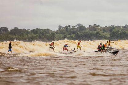 """La Pororoca: La ola """"mágica"""" en el encuentro del río Amazonas con el mar"""
