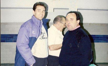 Una imagen de archivo de Gregorio Conejo, junto a Rafael Gordillo.