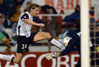 Un gol de Mista resolvió 180 minutos europeos entre Villarreal y Valencia