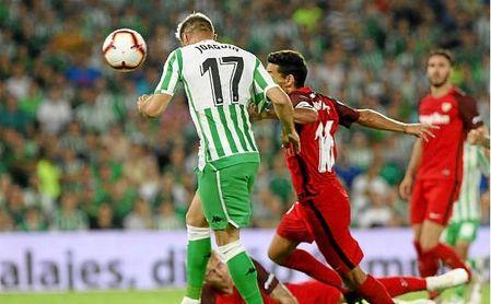 Joaquín y Navas, en el último derbi jugado en el Benito Villamarín.