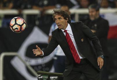 El uruguayo Almada deja al Barcelona y dirigirá al Santos Laguna mexicano