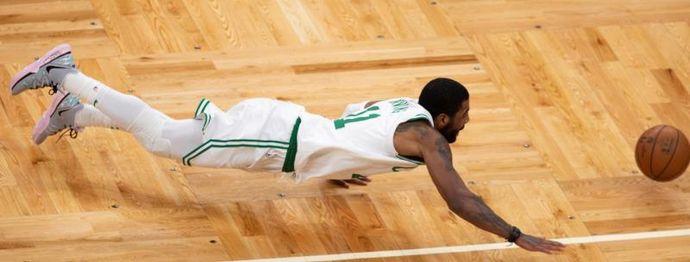 84-74. Irving, Morris, Horford y la defensa dan a Celtics primer triunfo