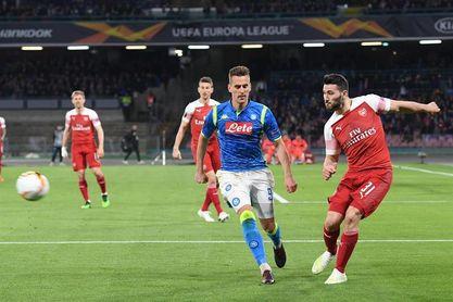 0-1. El Arsenal conquista San Paolo y se cita con el Valencia en semifinales