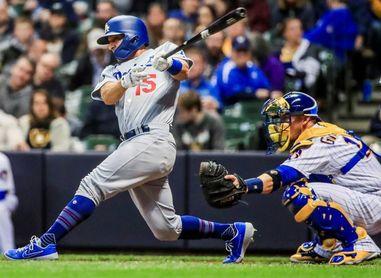 5-3. Hernández manda la pelota a la calle en victoria de los Dodgers
