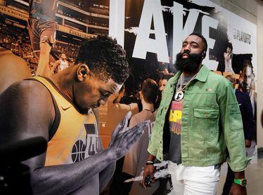 Bucks, Rockets y Sixers, a una victoria de semifinales; Nuggets empatan serie