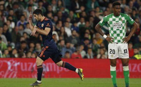 Real Betis 1-2 Valencia: Se queda sin plaza en el tren directo a Europa