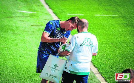 Canales, en el entrenamiento del Betis