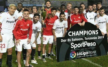 Caparrós pudo decir adiós al banquillo del Sevilla FC con victoria.