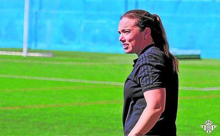 María Pry deja el banquillo del Real Betis Femenino