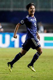 Kubo, nuevo fichaje del Real Madrid, acapara los focos en la práctica de Japón
