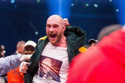 El inglés Tyson Fury se vuelve poderoso y vence por nocaut técnico a Schwarz