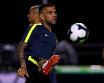 Dani Alves vuelve al estadio que le vio nacer