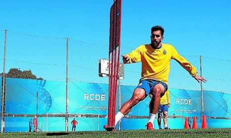 Borja Iglesias es el elegido, pero convencer al Espanyol no será fácil.