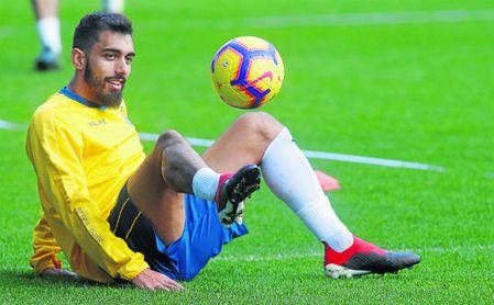 Borja Iglesias, en un entrenamiento con el Espanyol.