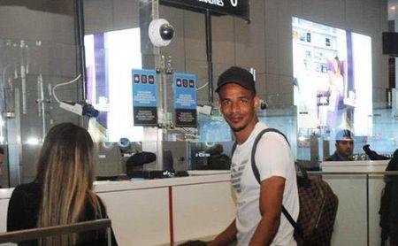 Fernando ya viaja con destino al Sevilla FC